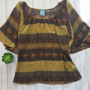 happening in the present boho flowy blouse sz. L